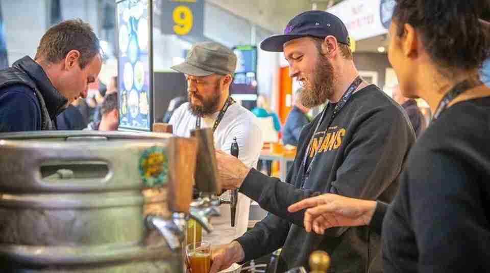 Duncans Brewing George on the pour